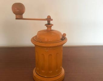 Vintage coffee grinder / 50s / yellow / mid century coffee mill