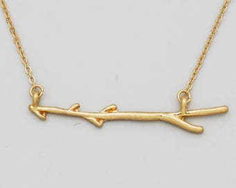 Hugge matt gold branch short necklace