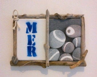 Small painting with driftwood, Pebble and wooden rope edges
