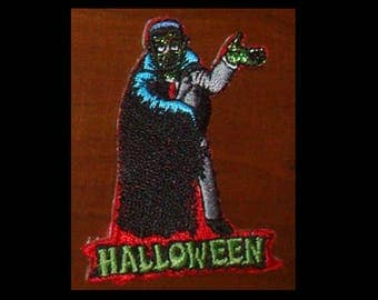PATCH - Halloween Dracula / Vampire - Vintage Embroidered, Iron-on
