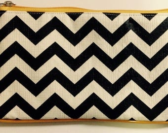 Black and yellow clutch