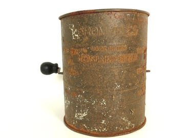 Vintage Bromwell's Measuring Sifter, 3 Cup