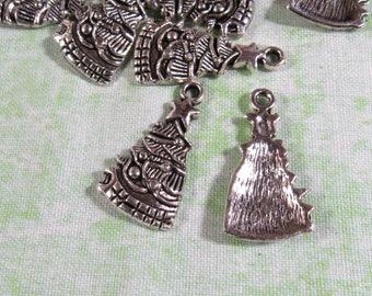 10 Antique Silver Christmas Tree Pendants 25x14mm (B330g)