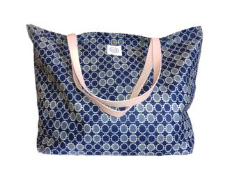 Tote leather straps and wax coated Odessa