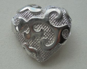 New silver color YSL heart pin