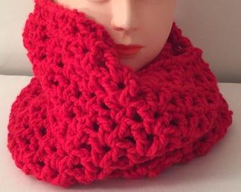 Crochet Infinity Scarf, Red Infinity Scarf, Chunky Infinity Scarf, Crochet Red Scarf, Chunky Scarf, Red Scarf, Infinity Scarf, Crochet Scarf