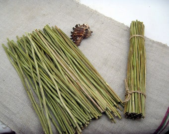 Dried yarrow stalks stems sticks achillee divination i ching