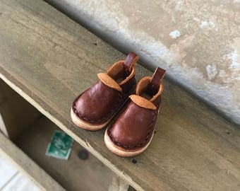 Real Leather: shoes/ brown color/