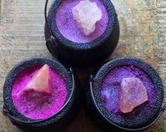 Cauldron Salt Crystal Bath Bomb, Halloween bath bomb, cauldron bath bomb, halloween gift, boules de bain, bubbling
