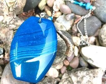 Blue agate suncatcher, gemstone, crystal hanging, gift for gardeners, outside decoration, window hanging, meditation, housewarming