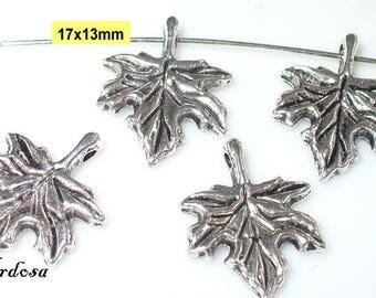 4 followers blade 17x13mm Tibet Silver (S23)