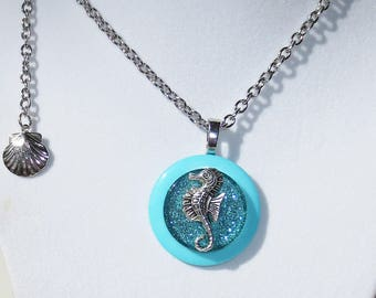 Seahorse Charm Button Necklace, Glitter Glass Cabochon, Pendant Necklace, Jewelry, Button Necklace, Charm Necklace, 21 inch Silver Chain
