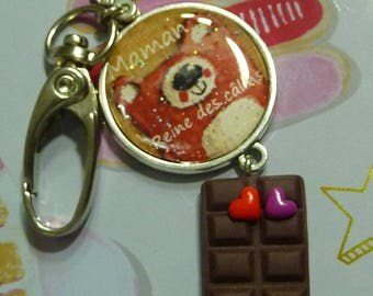 Keychain bag charm clasp 25 mm cabochon mother Queen of hearts polymer clay and chocolate hugs