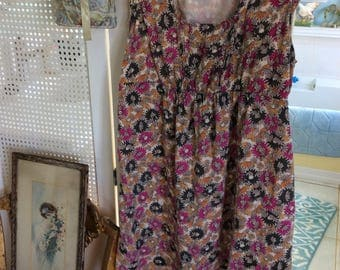 Gorgeous Vintage Day Dress, Very Femine, Size M, Rayon with 100% Cotton Lining