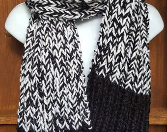 Super chunky white and black ribbed knitted scarf