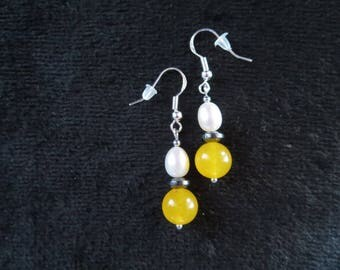 earrings with honey yellow jade beads and freshwater pearls