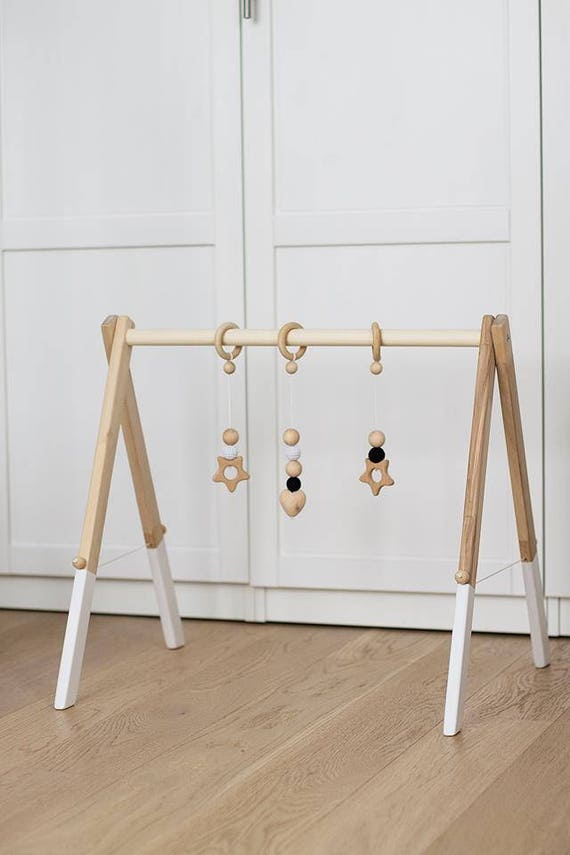 wooden baby gym no hangers only frame three wooden rings. Black Bedroom Furniture Sets. Home Design Ideas