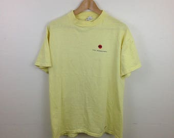 """Vintage 80s Paper Thin """"The Newsstand"""" Yellow T-Shirt - Size Large - Made in USA"""