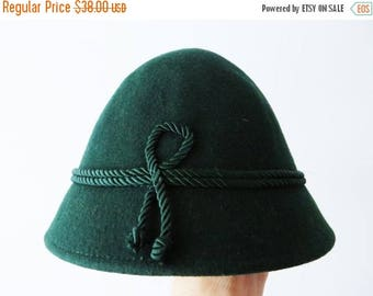CIJ SALE 80s Green Mini Hat Original Ischlerhut Green Cloche Hat Austrian Felted Wool Hat Trachten Hat Women Alpine Hat Small Tirolean Mount