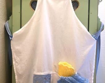 FlourSack Apron with Embroidered Pocket and Dishcloths