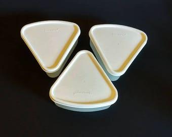 Tupperware Snack Bowls   Set of 3