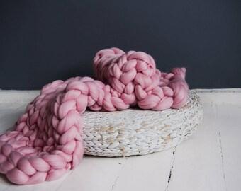 Baby blanket,baby wool blanket,chunky blanket,super chunky wool blanket, gifts, yarn, bulky yarn, merino wool yarn, super bulky blanket