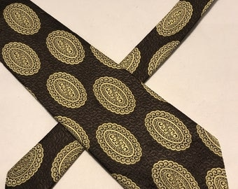 Vintage Sir George polyester 73 brown and gold  tie