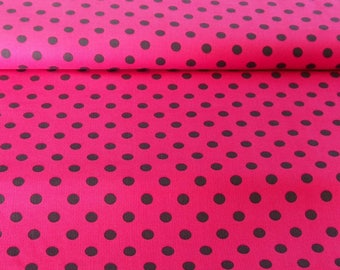 Velvet - Diana: Polka dots on pink background