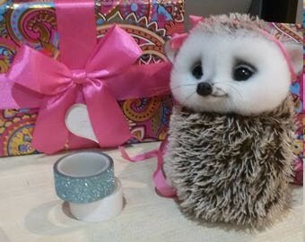 Needle felted hedgehog - Miniature sculpture Handmade Felt toy - hedgehog as a gift-realistic hedgehog