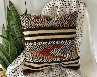 KILIM PILLOW / Unique Vintage Turkish Pillow Cover / Decorative Bohemian Pillow  Boho Pillow