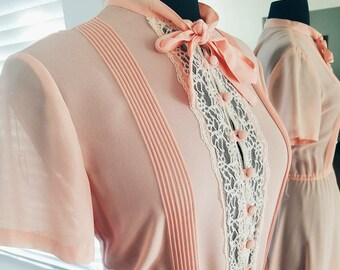 1950s Pink and white Lace dress