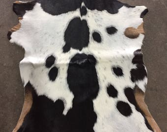 Black and White Goatskin Rug - OG - 208 [size 3'6 x 2'4]