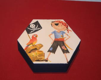 """Nice hexagonal box wooden """"the pirate and parrot"""""""