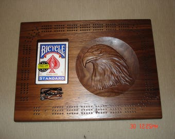 Continuous 3-track cribbage w/3d carving