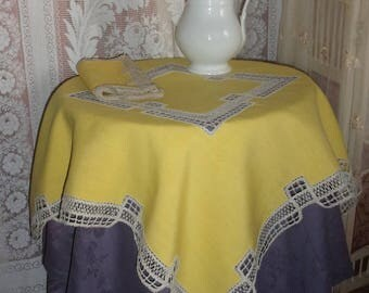 A charming little old service, a tablecloth and 12 towels, old linen