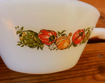 ANCHOR HOCKING bowl - Vintage - glass of milk - vegetable decor - Made in USA -
