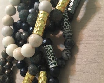 Beaded bracelet with gold accent