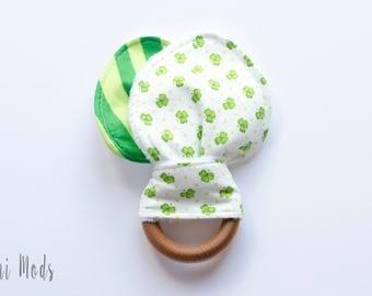 St Patricks Day Baby / Irish Baby / Irish Organic Wood Teething Ring / Lucky baby Teething Toddler / Easter Basket Filler /  UK Seller