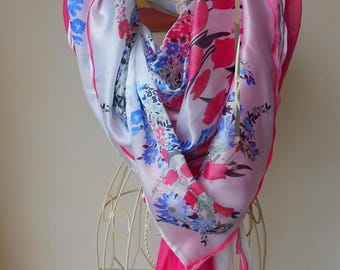 Large silk scarf with pink and white flowers. Gift idea. White scarf. The heart. The butterfly. Colorful scarf. Stole. Echarpe.cadeau.fetes.Maman.