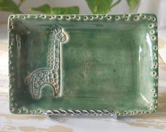 Green Pottery Giraffe Tray/Handmade Trinket Dish/Home Decor Tray/Green Jewelry Tray/Giraffe Small Dish/Green Pottery Tray/Small Pottery Dish