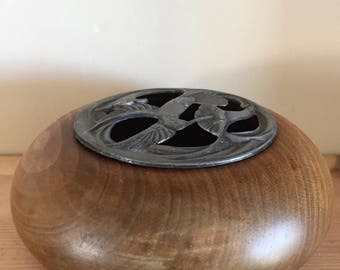 Wooden Pot Pourri Bowl with Metal Openwork Lid with Hummingbird Decoration