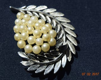 Trifari Vintage Crown Silver Tone Leaf Design Brooch With Faux Pearls