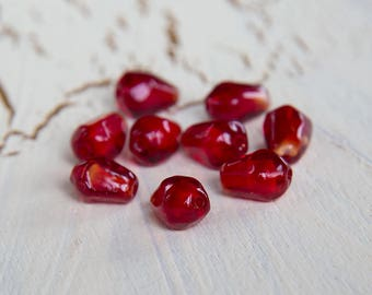 Pomegranate seeds. Pomegranate beads. Red beads lampwork. Glass beads. Handmade beads. Beads for jewelry.