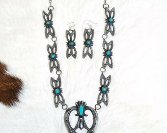 Gorgeous Tufa Cast Navajo necklace