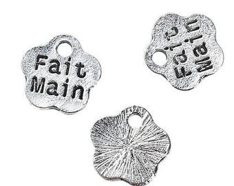 """20 antique silver flower charms engraved words """"Handmade"""" 8 mm"""