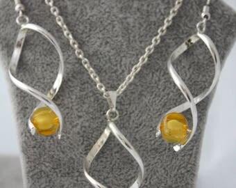 very pretty dress with yellow glass bead Orange