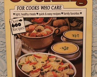 1990 - Home Cooking Cook Book ~ Women's Circle ~ America's Best Homemade Recipes ~ Quick & Easy ~ Light Healthy Meals ~ Over 600 Recipes