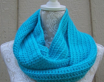 Long Light Blue Infinity Scarf / Long Scarf / Circle Scarf Blue / Light Blue Scarf / Blue Crochet Scarf / Loop Scarf / Blue Infinity Scarf