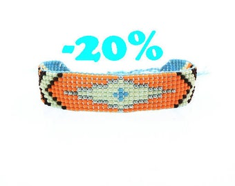 SUMMER SALE / / / Arizona spirit boho Bracelet / / / woven seed beads