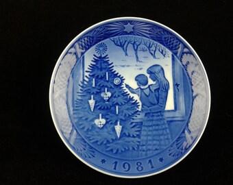 Royal Copenhagen 1981 Christmas Plate